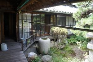 古民家中庭の写真