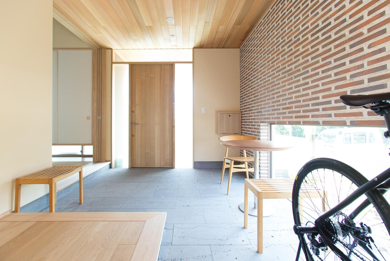 注文住宅 K様の完成写真玄関ホール 2014/7/24