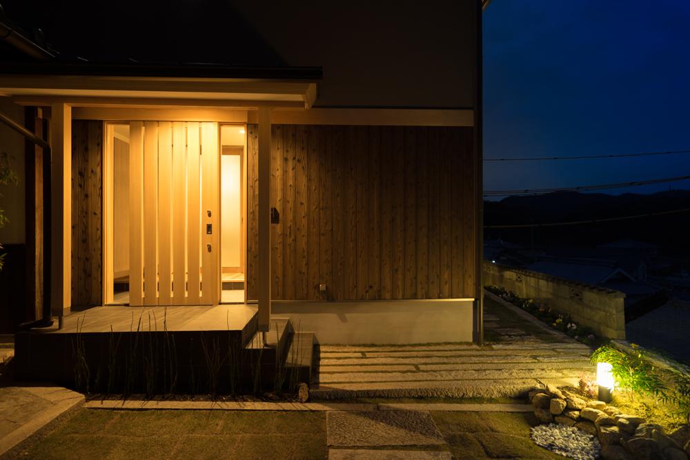 注文住宅N様邸施工写真玄関アプローチ 2015 12 12