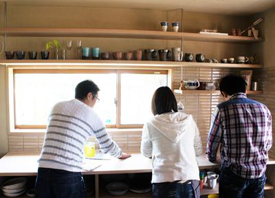 都窪郡早島町 大谷石のある家 お引き渡し後 キッチン棚塗装
