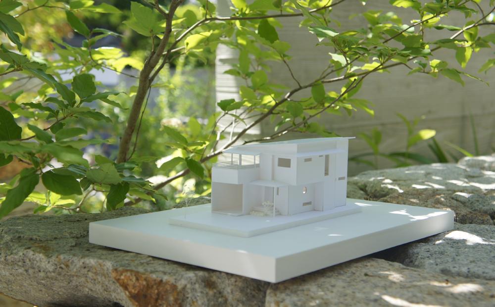写真:海辺に建つ家in玉野