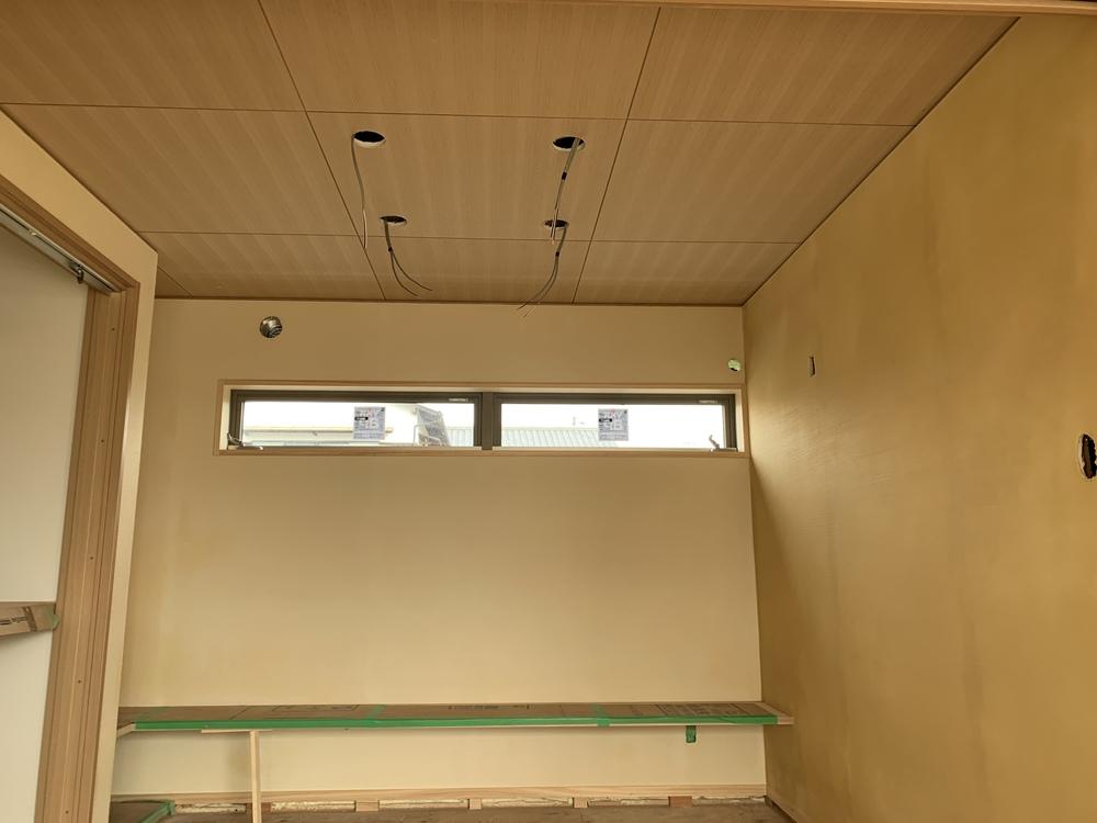 平屋 木まま 新築住宅 木工事 漆喰